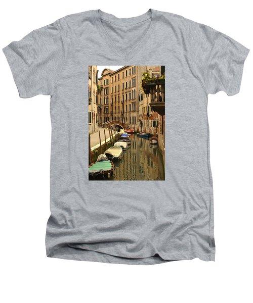 Venice Street Scene 2 Men's V-Neck T-Shirt