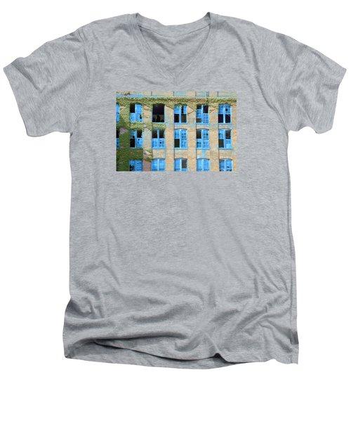 Ventanas Azules Men's V-Neck T-Shirt