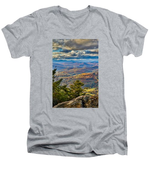 Vermont Foliage From Mt. Ascutney Men's V-Neck T-Shirt