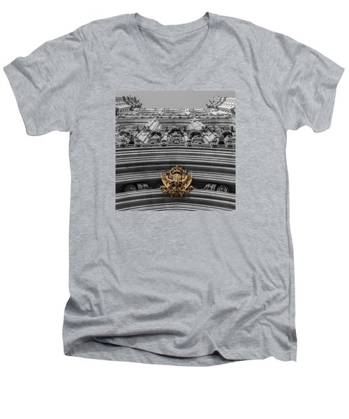 Victoria Tower Low Angle London Men's V-Neck T-Shirt