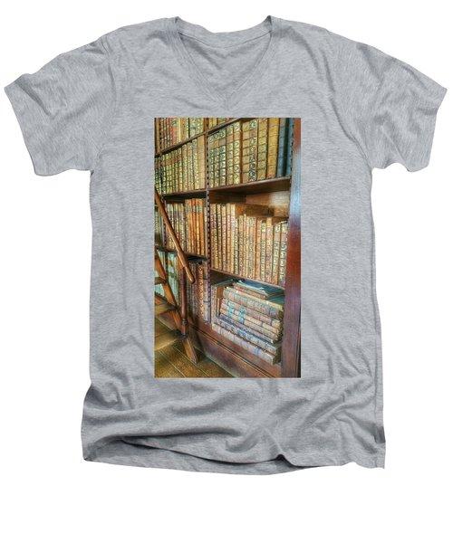 Victorian Library Men's V-Neck T-Shirt