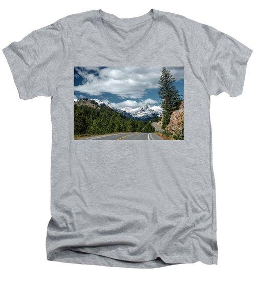 View Of The Pilot Peak From Highway 212 Men's V-Neck T-Shirt