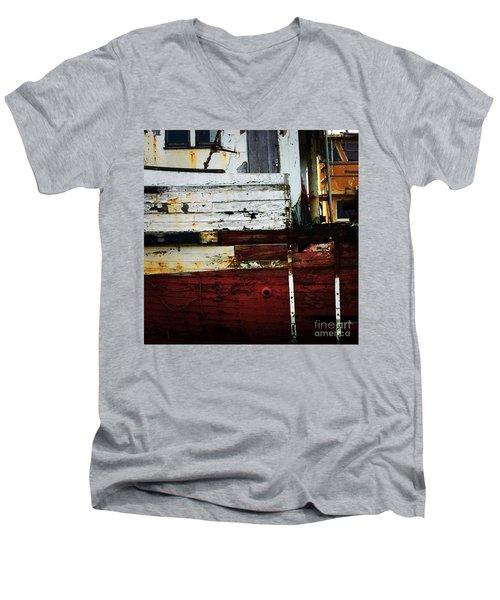 Vintage Astoria Ship Men's V-Neck T-Shirt