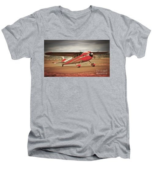 Vintage Monoplane Men's V-Neck T-Shirt
