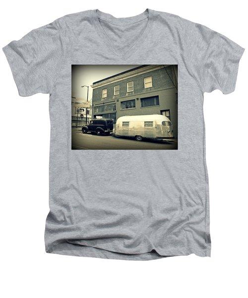 Vintage Trailer In Crockett Men's V-Neck T-Shirt
