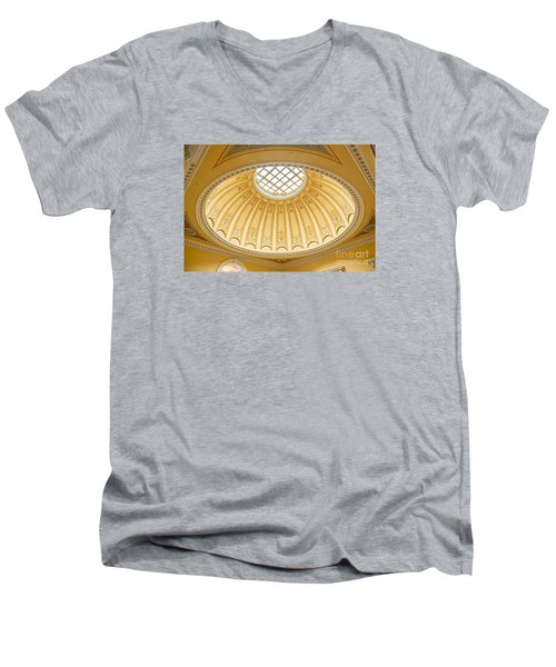 Virginia Capitol - Dome Profile Men's V-Neck T-Shirt