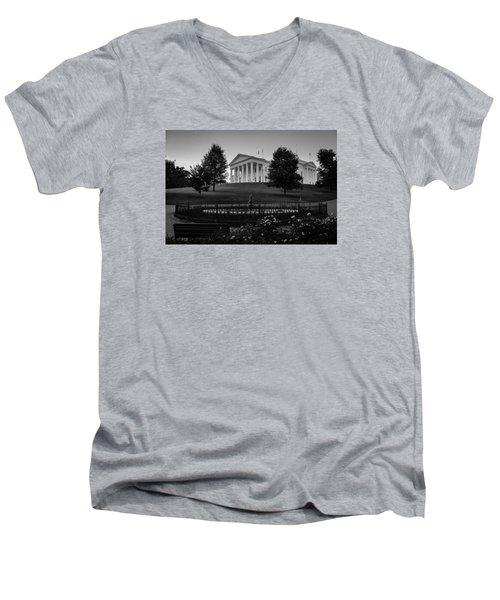 Virginia State Capitol Men's V-Neck T-Shirt