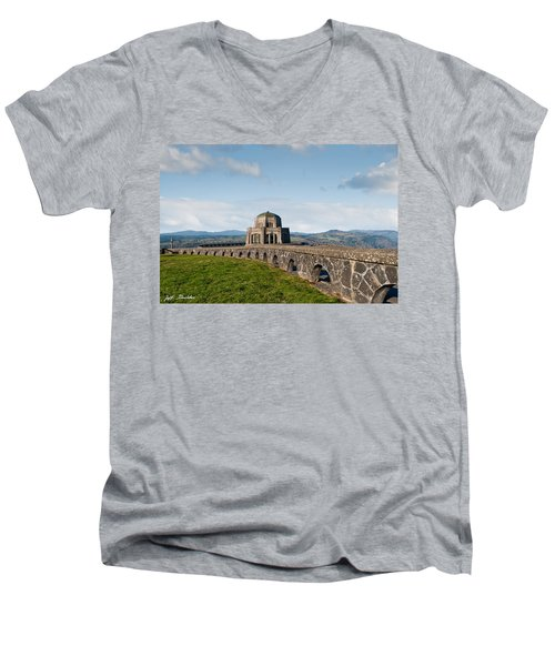 Vista House At Crown Point Men's V-Neck T-Shirt