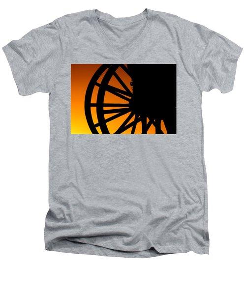 Wagon Wheel Sunset Men's V-Neck T-Shirt