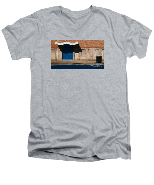 Wall In Kentucky Men's V-Neck T-Shirt