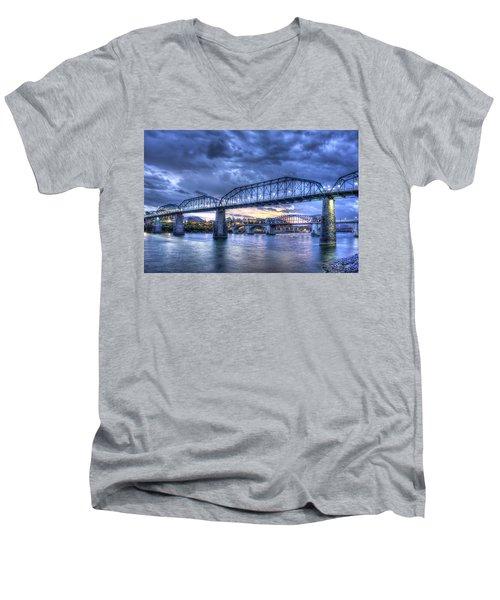 Walnut Street Pedestrian Bridge Chattanooga Tennessee Men's V-Neck T-Shirt
