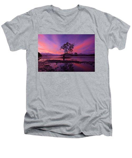 Wanaka Tree Men's V-Neck T-Shirt