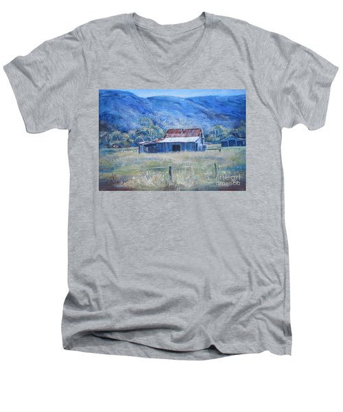 Warby Hut Men's V-Neck T-Shirt