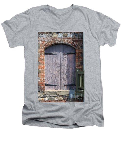 Warehouse Wooden Door Men's V-Neck T-Shirt