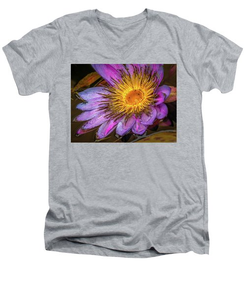 Water Flower Men's V-Neck T-Shirt
