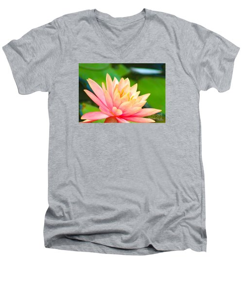 Water Lily In Pond Men's V-Neck T-Shirt