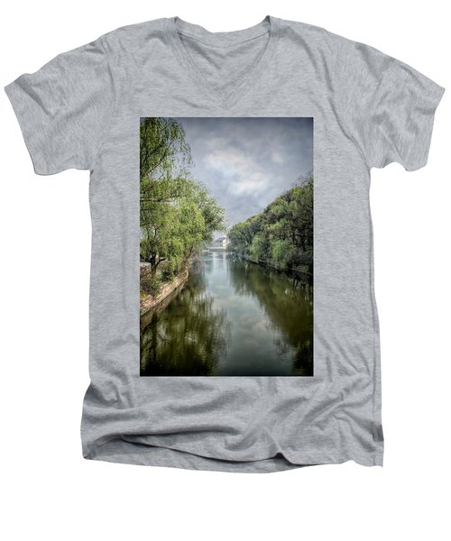 Waterway Men's V-Neck T-Shirt