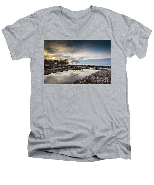Webster Ny Lake View Men's V-Neck T-Shirt