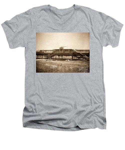 West 207th Street, 1906 Men's V-Neck T-Shirt