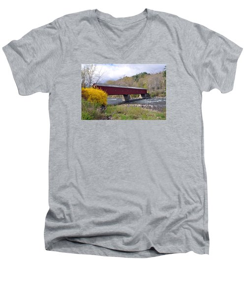 West Cornwall Ct Covered Bridge Men's V-Neck T-Shirt