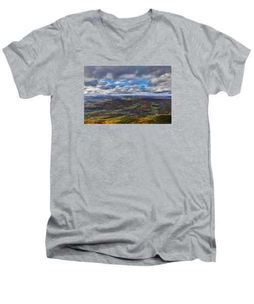 Western View From Mt Ascutney Men's V-Neck T-Shirt