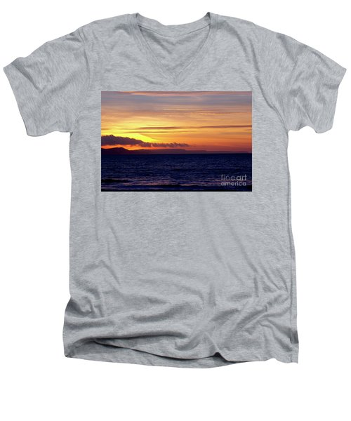 Weymouth To Purbeck Men's V-Neck T-Shirt