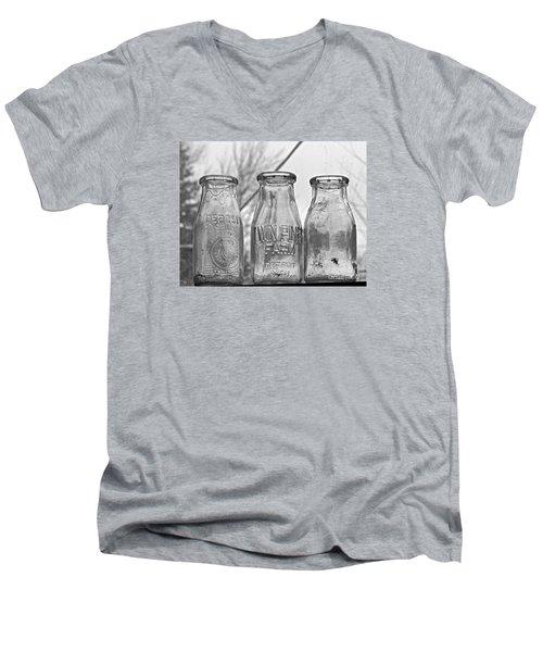 What The Milk Man Left, Bw Men's V-Neck T-Shirt