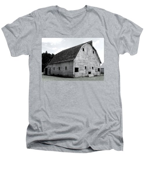 White Barn Men's V-Neck T-Shirt