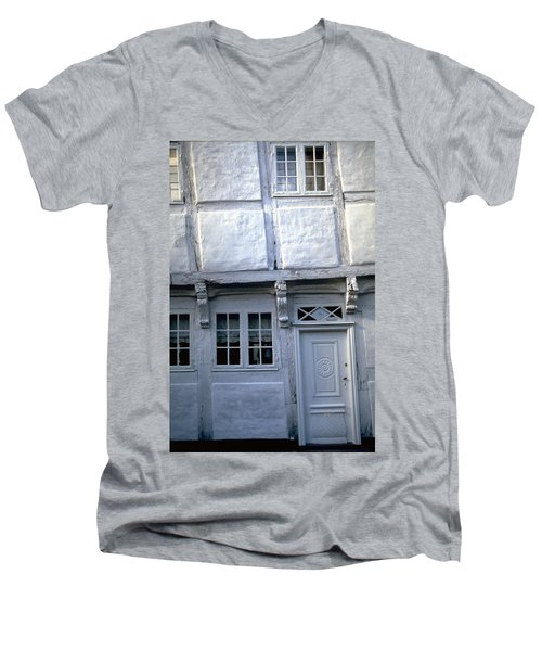 White House Men's V-Neck T-Shirt