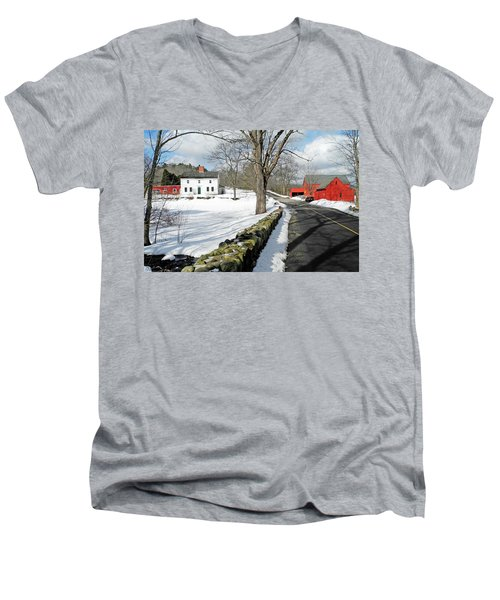 Whittier Birthplace Men's V-Neck T-Shirt