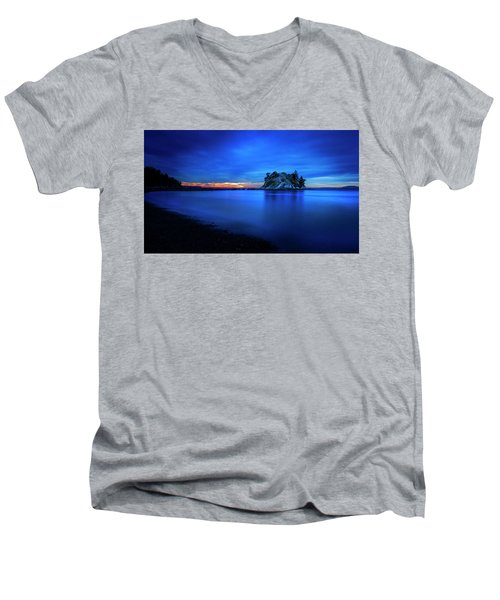 Men's V-Neck T-Shirt featuring the photograph Whytecliff Sunset by John Poon