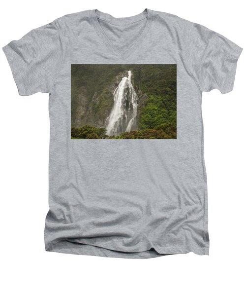 Wild New Zealand Men's V-Neck T-Shirt