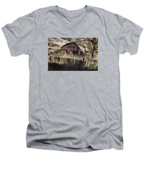 Men's V-Neck T-Shirt featuring the photograph Willets Barn by Shirley Mangini