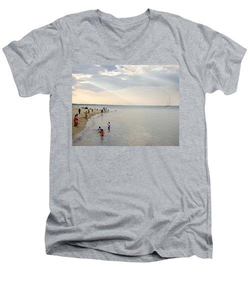 Wilmette Beach Labor Day 2009 Men's V-Neck T-Shirt