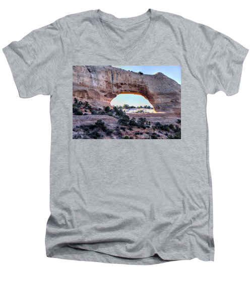 Men's V-Neck T-Shirt featuring the photograph Wilson Arch In The Morning by Alan Toepfer
