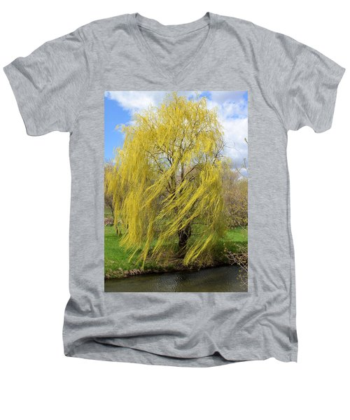 Wind In The Willow Men's V-Neck T-Shirt