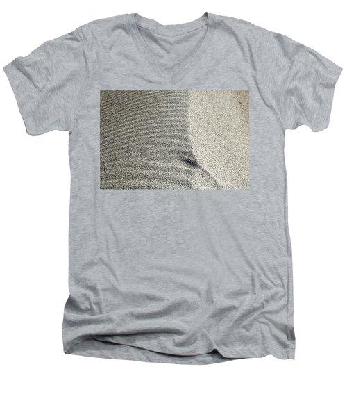 Wind Pattern Men's V-Neck T-Shirt