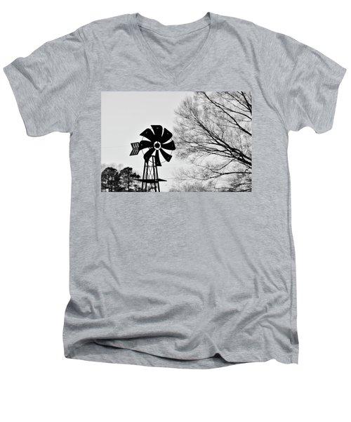 Windmill On The Farm Men's V-Neck T-Shirt