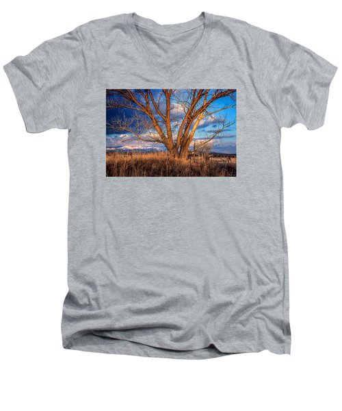 Winter Cottonwood Ranch Landscape Colorado Men's V-Neck T-Shirt