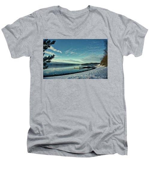 Winter Dock Men's V-Neck T-Shirt