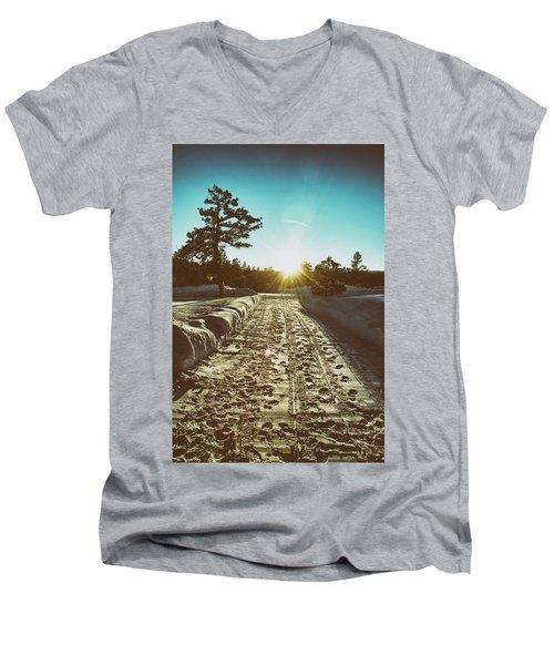 Winter Driveway Sunset Men's V-Neck T-Shirt