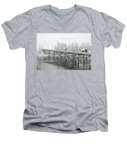 Winter Morning In The Pier Men's V-Neck T-Shirt