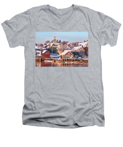 Winter Snowfall In Portsmouth Men's V-Neck T-Shirt