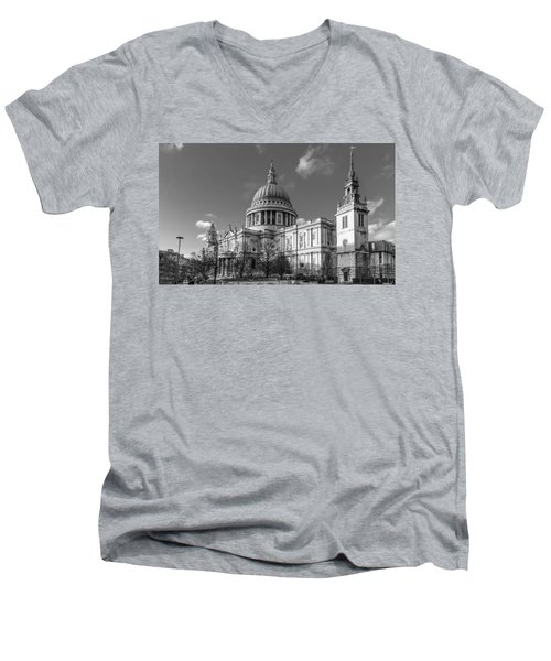 Winter Sun St Paul's Cathedral Bw Men's V-Neck T-Shirt