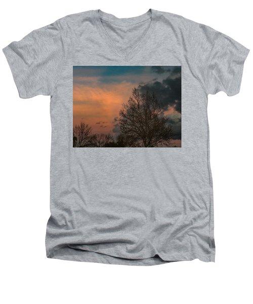 Winter Time Men's V-Neck T-Shirt