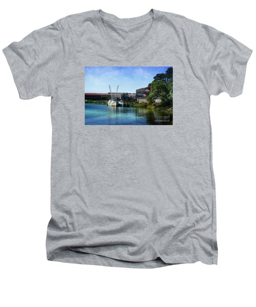 Winyah Bay Georgetown Sc Men's V-Neck T-Shirt