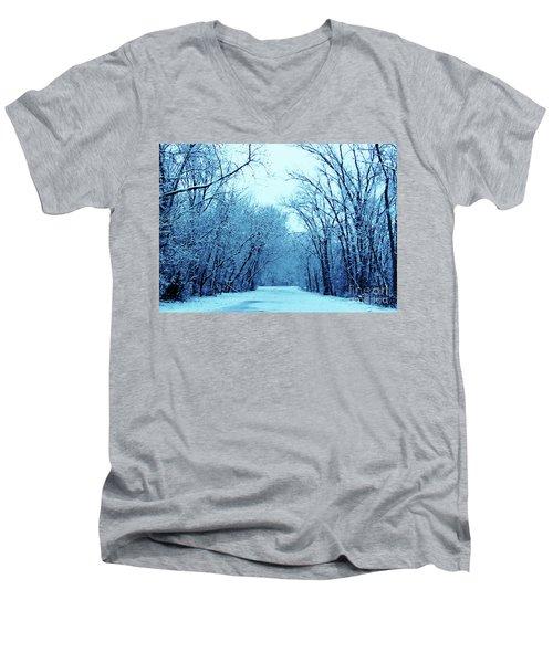 Wisconsin Frosty Road In Winter Ice Men's V-Neck T-Shirt