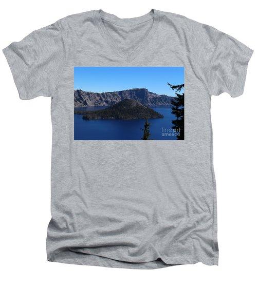 Wizard Island Men's V-Neck T-Shirt