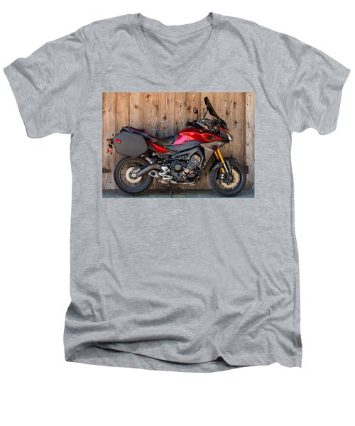 Yamaha Fj-09 .2 Men's V-Neck T-Shirt