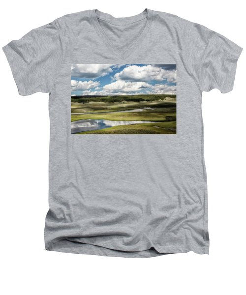 Yellowstone Hayden Valley National Park Wall Decor Men's V-Neck T-Shirt